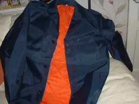 BRAND NEW CAR PARKA NEVER WORN,SIZE LARGE
