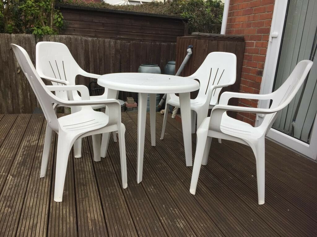 Garden table and chairs ipswich
