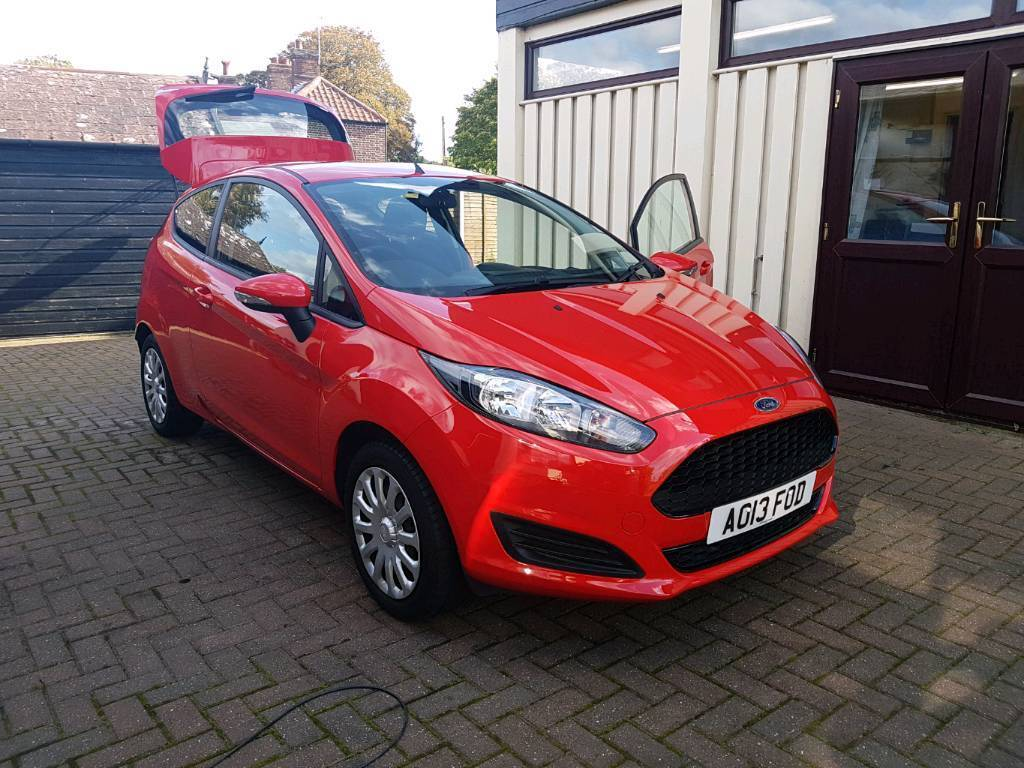 2013 Ford Fiesta 1.25L Style 3dr (LOW MILEAGE)