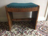 Single piano stool