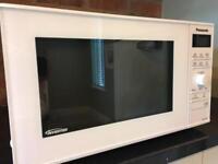 Panasonic Microwave Oven 900 Watt Immaculate