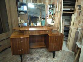 1950s retro dressing table