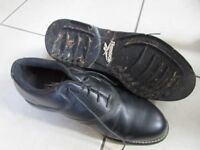 Reebok Mens Golf Shoes Size 10. Worn a few times.
