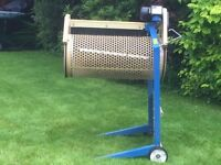 SOIL SEIVE. SCHEPPACH RS400 AUTOMATIC ROTARY SOIL SIEVE £220 ono