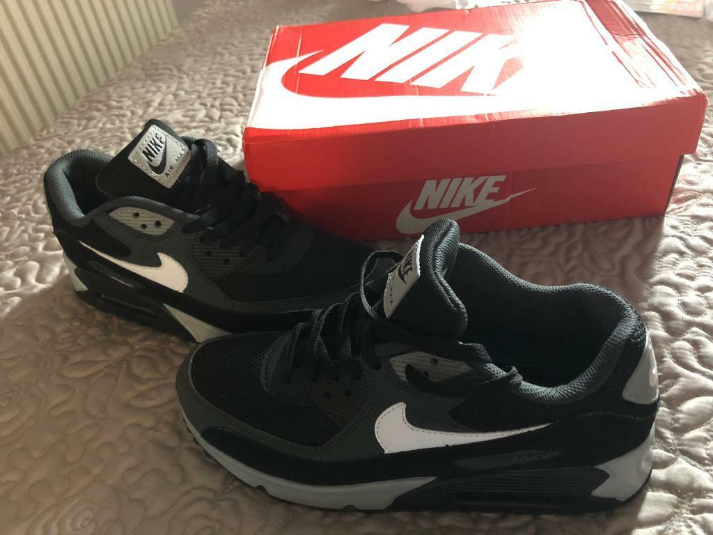 sports shoes 15137 aeb73 Nike Air Max 90 Essential like new size 9.5 men s uk size