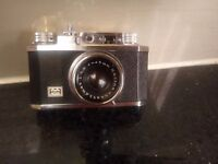 VINTAGE CLASSIC COLLECTABLE 35mm CAMERA