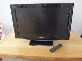 """Panasonic TX-32LZD80 - 32"""" Widescreen 1080p Full HD LCD TV- With Freeview"""