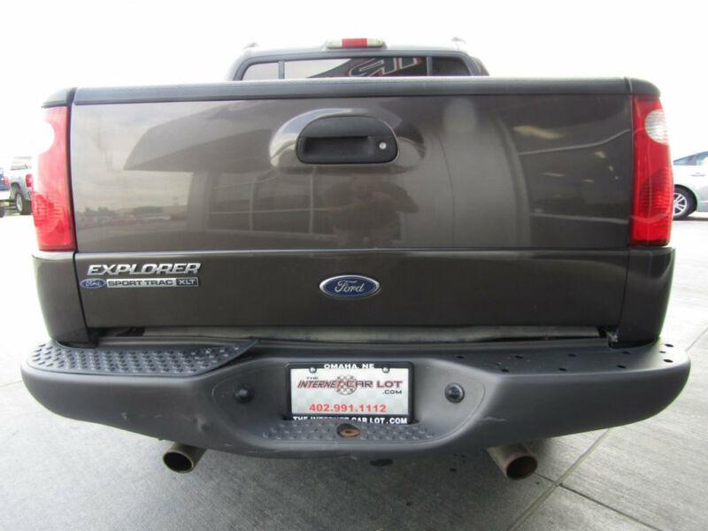 Image 5 Voiture Américaine d'occasion Ford Explorer Sport Trac 2005