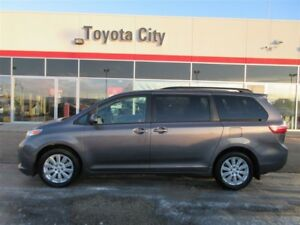 2015 TOYOTA SIENNA LE AWD VAN IN EXCELLENT CONDITION