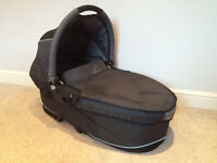 Quinny Buzz Carrycot in Black