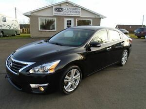 2013 Nissan Altima 3.5 SL NAV Leather Sunroof Loaded