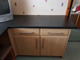 Kitchen unit with worktop
