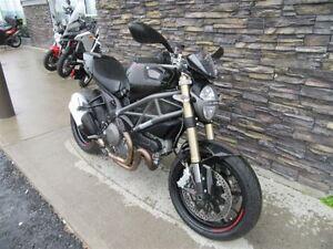 2012 Ducati Monster 1100 -