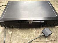 Sony CD/DVD player DVP S525D