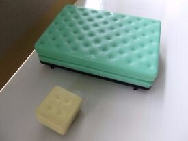 1/16th Scale Triang Bed and Mattress and Foot Stall