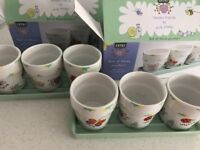 2 sets of 3 ceramic planters with ceramic tray
