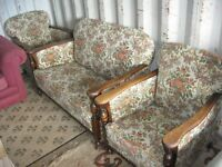 QUALITY ORNATE COTTAGE 3 PIECE SUITE. 2 SEATER & 2 FIRESIDE ARMCHAIRS.VIEWING/DELIVERY AVAILABLE