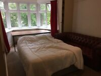 Large double rooms Opp beach Bournemouth 5 mins town centre Asda university night life ping pong