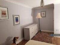 3 bedroom house in June Meadows, Midhurst, GU29 (3 bed) (#923258)