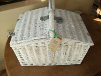 John Lewis Picnic Basket - 4 person. Never used.