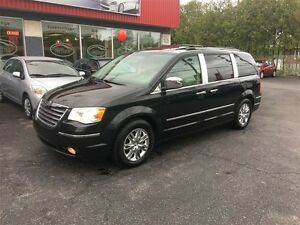 2008 Chrysler Town & Country Limited  ***CRÉDIT 100% APPROUVÉ***