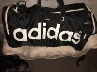 Gym bags & holdalls