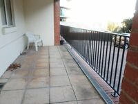 1 BED FLAT AVAILABLE NOW!!!