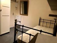 Very clean studio Room / Bedsit. Near Stratford, Westfield shopping centre
