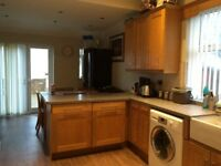1 ROOMS REMAINING IN IMMACULATE SHARED HOUSE