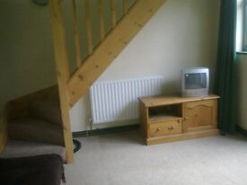 One bedroom flat, Leigh-on-Sea Preferably looking for a professional female