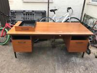 Computer office desk table good quality wood metal legs