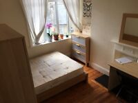 very nice double room to rent CLOSE TO BOROUGH LONDON BRIDGE TOWER two bathrooms cleaner terrace