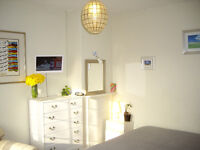 Lovely Spacious Sunny Double (House & Garden) MONDAY TO FRIDAY ONLY LET