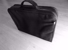 Deja Laptop Bag Fits 19 Inch