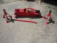 3 Tonne Strong Arm Vehicle Jack with two jack stands
