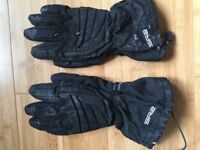Motorcycle gloves (various pairs and sizes).