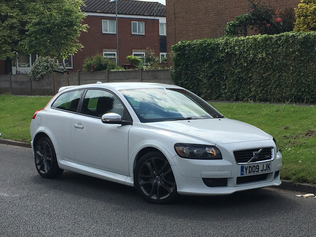Volvo C30 1 8 R Design Sport White Alloys Foglights