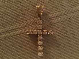 18 ct. yellow gold 1.75 ct. DIAMOND cross