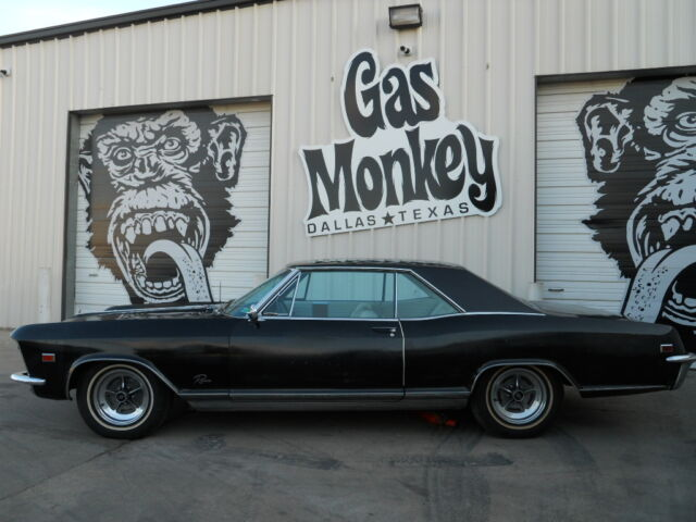 1965 Buick Riviera showing 76248 miles (but unable to