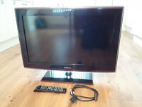 SAMSUNG 32 INCH WIDESCREEN FREE VIEW DIGITAL HD READY LCD TV WITH REMOTE AND STAND **BARGAIN*
