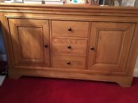Top quality Furniture village 6/8 seater solid oak table/chairs & sideboard - immaculate