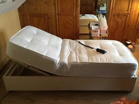 Electric single bed, fully adjustable - excellent clean condition - remote control