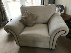 DFS OAKLAND SUITE SOFA AND ARMCHAIR CREAM