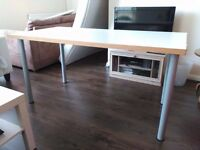Table (150cm*75cm)