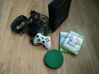Xbox 360 Slim + 15 Games + 1 controller