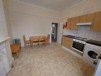 Spacious 2 Bedroom Flat in Harringay Green Lanes, N4. ***Available Now ***