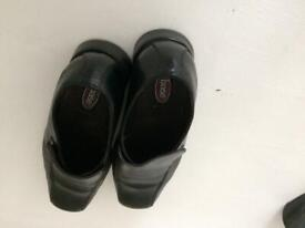 Base men's black shoes size 9