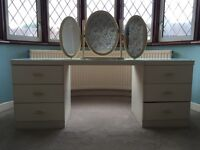 Matching dresser and drawer units for collection (no payment required)