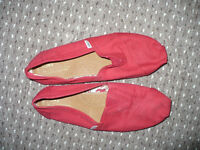Toms Mens Red Classic Espadrilles/Canvas Shoes size 11. Very good condition!