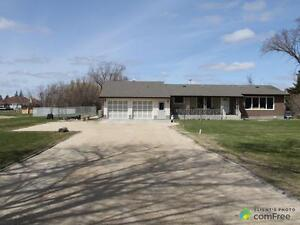 $399,000 - Bungalow for sale in St. Andrews